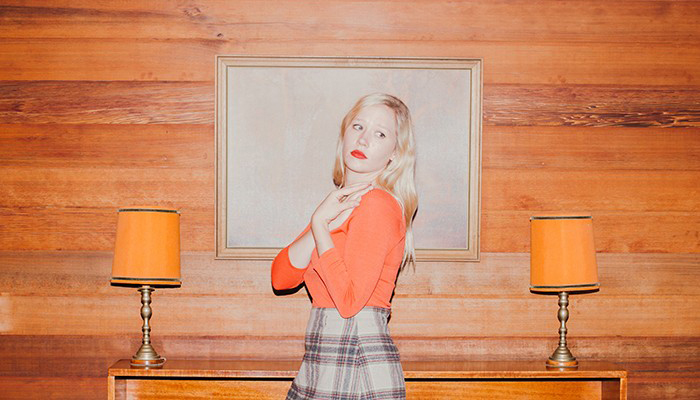 "Julia Jacklin shares new single ""Hay Plain"""