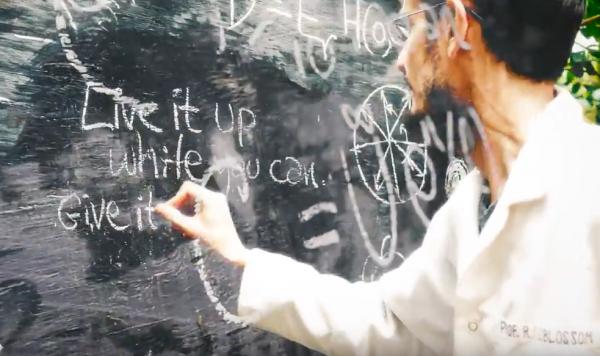 "Deerhoof Share New Music Video For ""Dispossessor"""